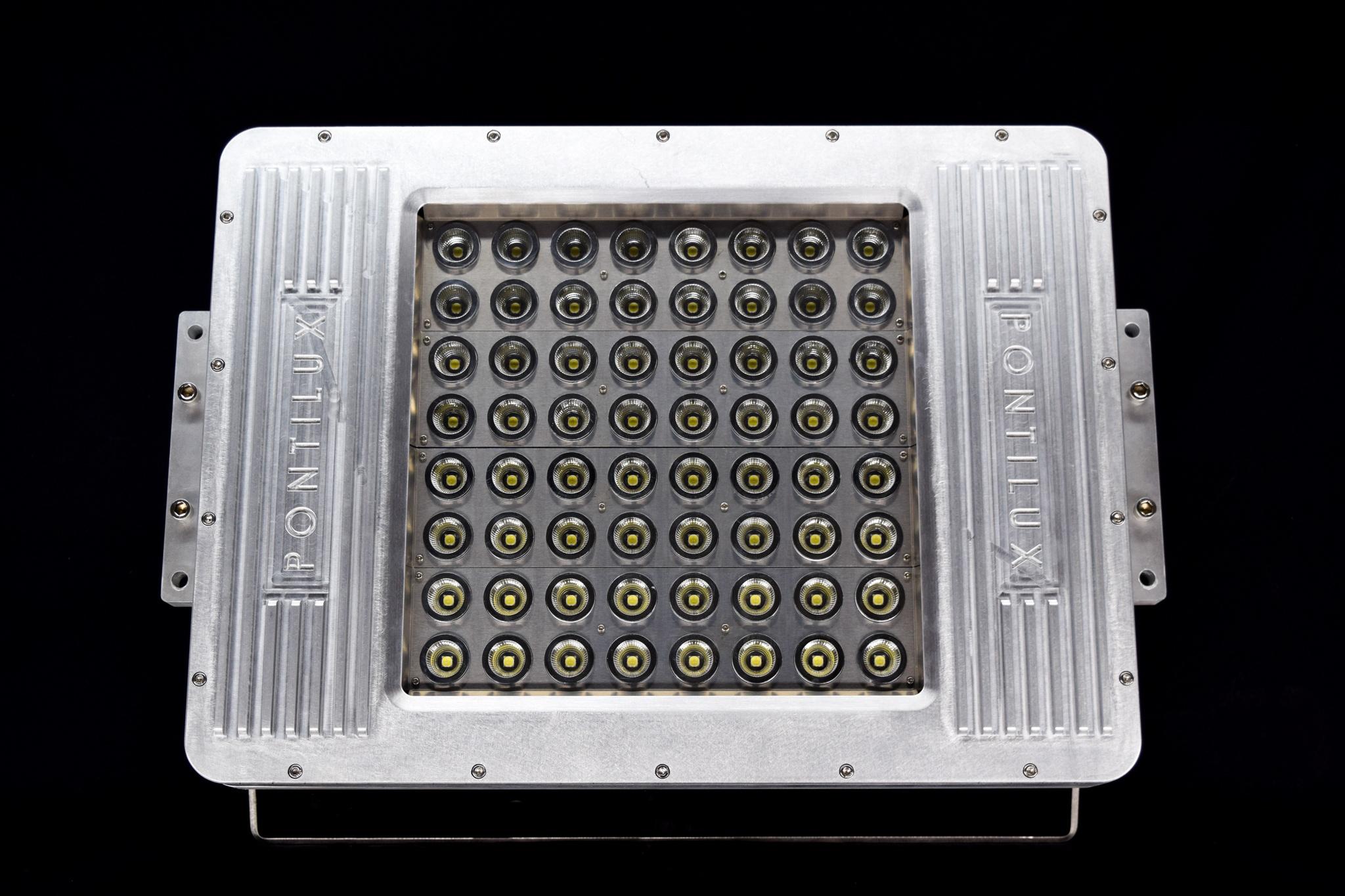 Juggernaut LED Mast Light